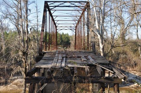 lynching-bridges